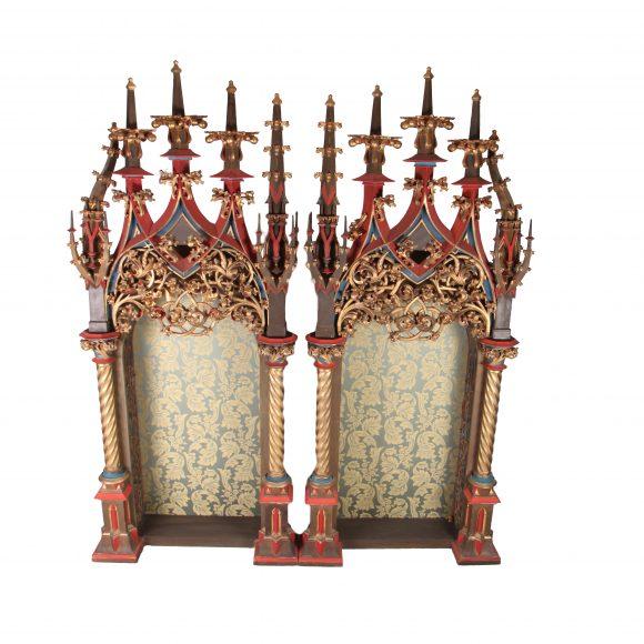 Rare paire d'éléments architecturaux Baroques-Gothique