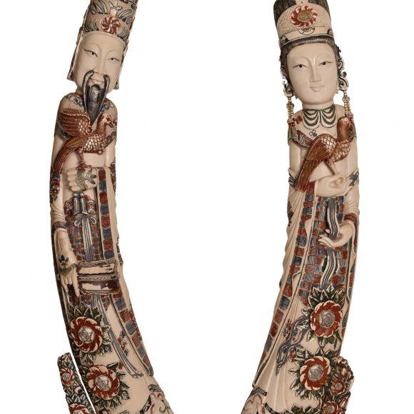 Paire de figurine en ivoire chinois