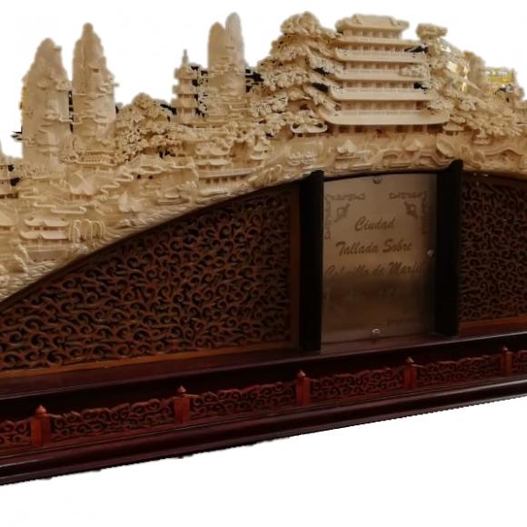 Majestueuse et rare corne en ivoire chinois