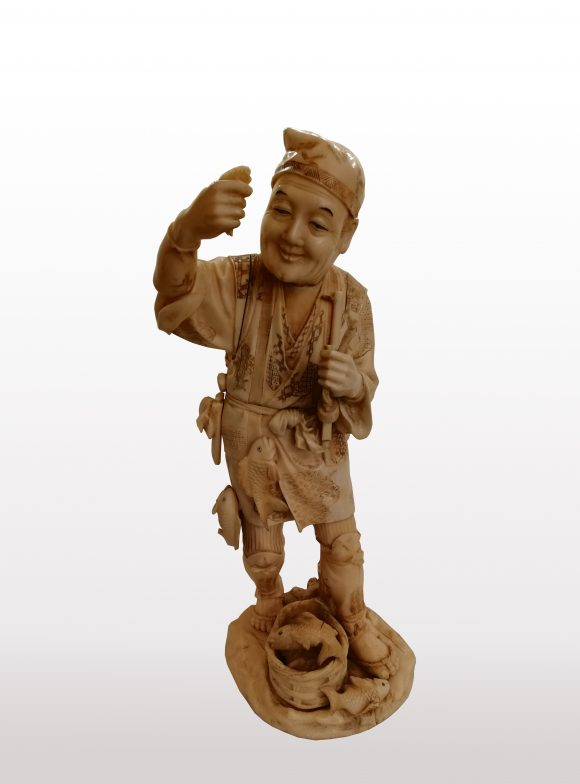 Grande Figurine en ivoire japonais