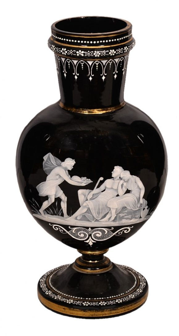 Rare Vase – Style Victorien en Opaline
