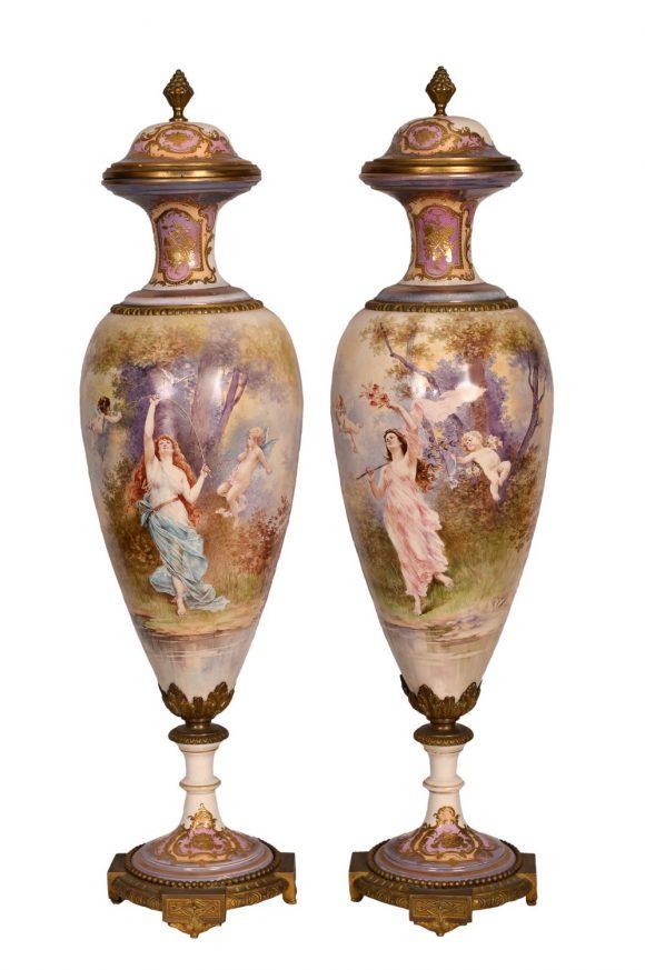 Paire de vases – Porcelaine de Sèvres