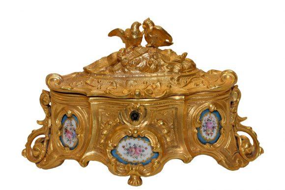 Coffret à bijoux en bronze – garnie de plaques en Porcelaine de Sèvres