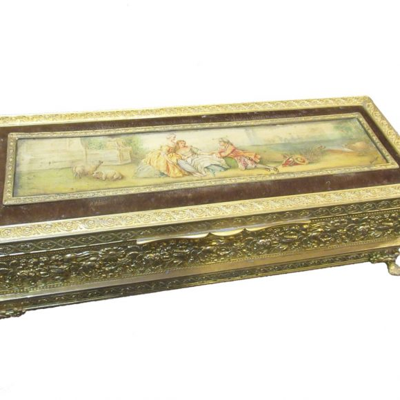 Coffret de style Louis XVI en bronzes dorés