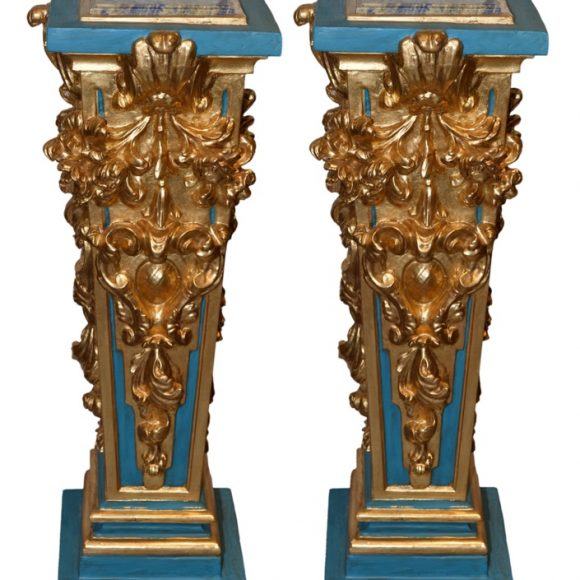 Paire de gaines baroque en bois sculpté