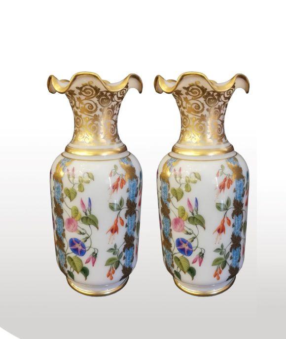 Paire de vases opaline et Baccarat