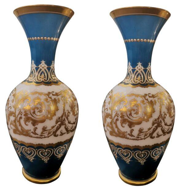 Paire vases en opaline et cristal de Baccarat overlay
