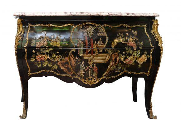 Commode en bois noirci – Louis XV