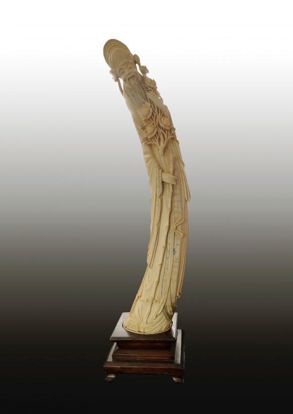 Grande Figurine chinoise en ivoire