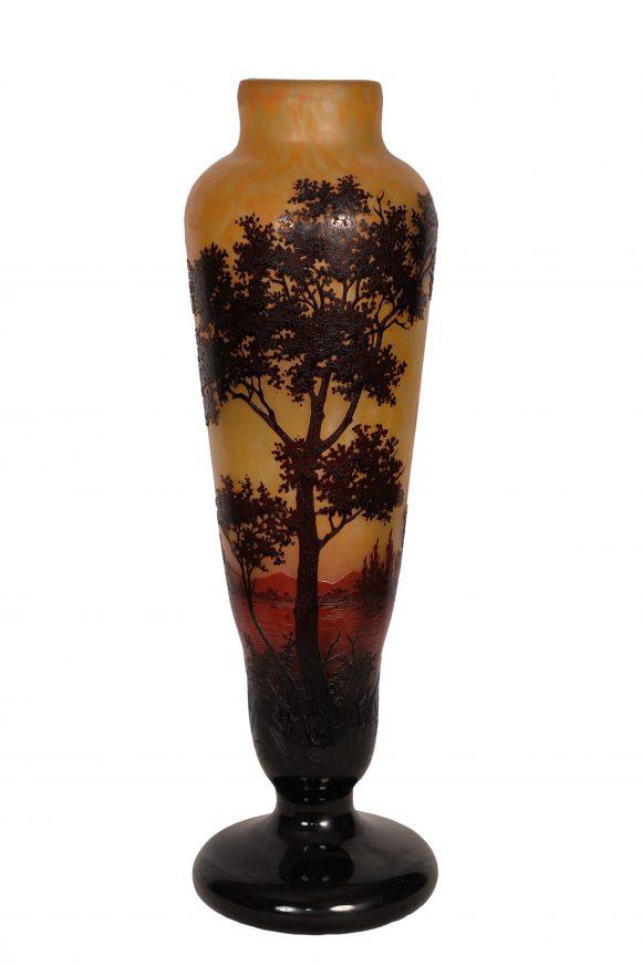 Vase sur pied – Signé Daum