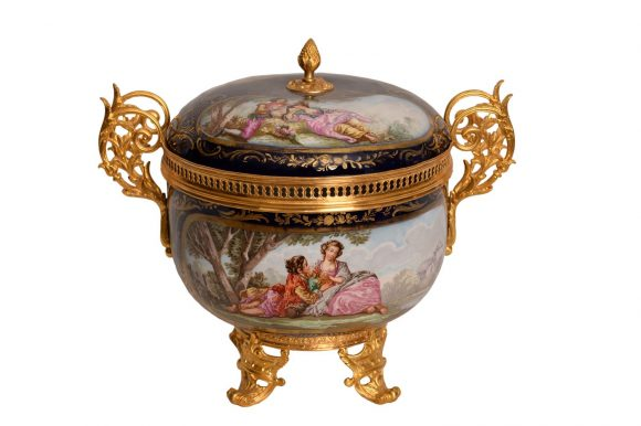 Compotier en porcelaine de Sèvres