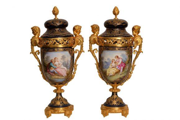 Paire de vases couvert – porcelaine de Sèvres