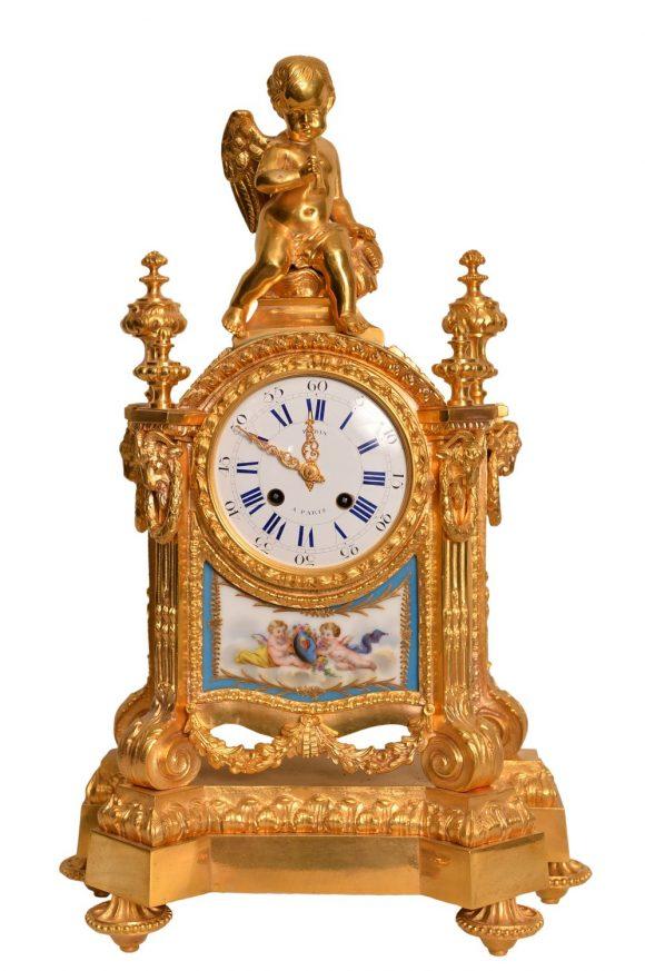 Pendule en bronze – Style Louis XVI
