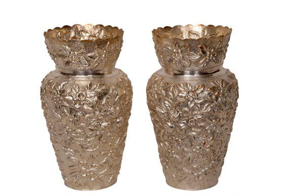 Paire de vases en argent