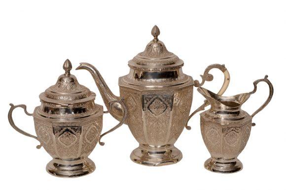 Service à thé en argent massif