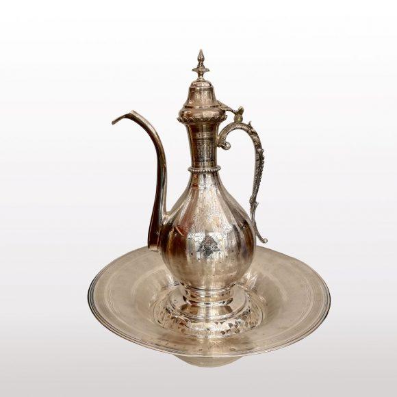 Aiguière Ottoman et son présentoir en argent