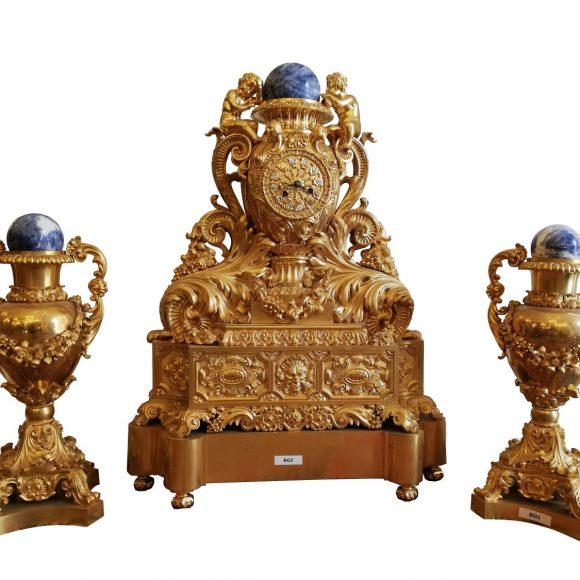 Garniture de cheminée Louis XVI d'époque en bronze